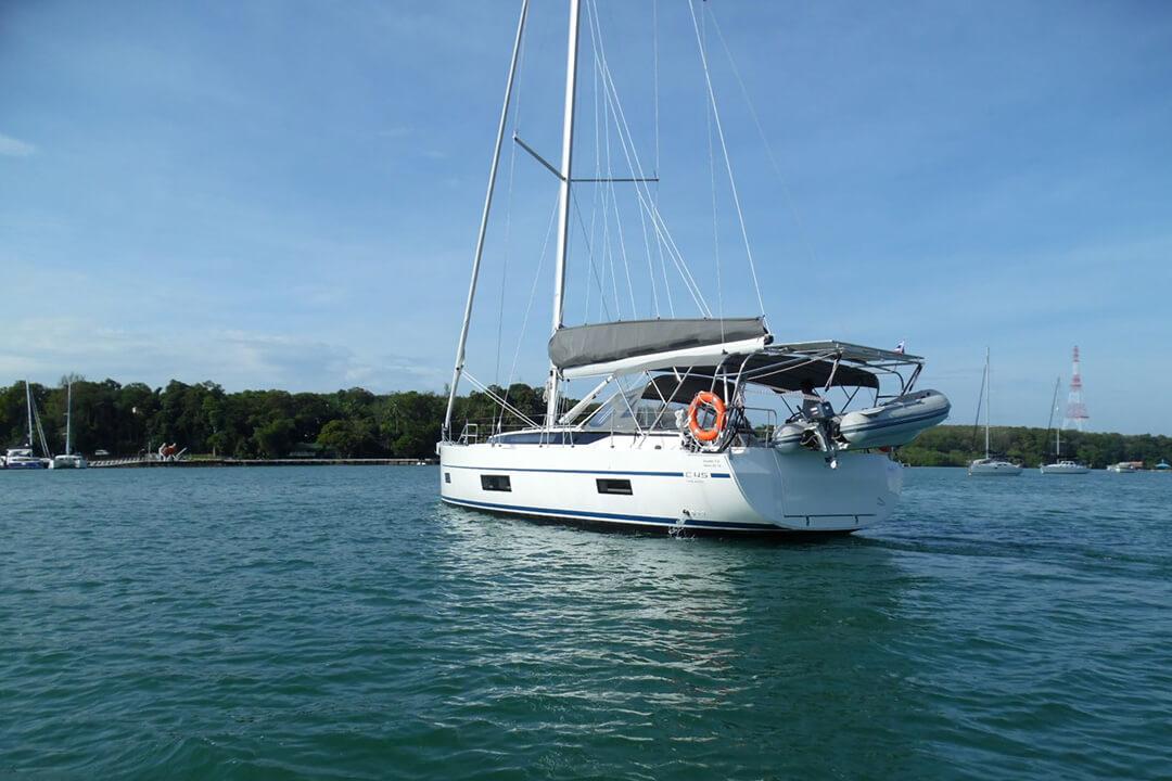 Bavaria 45 Holiday stern charter Boat Phuket