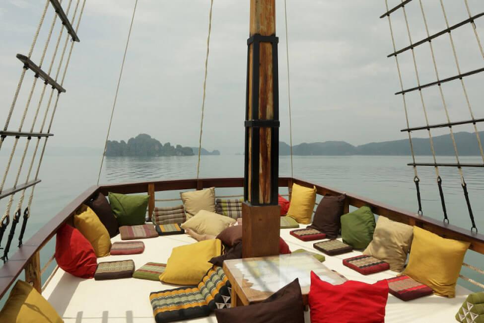 Champagne Phi Phi island tripChampagne Phi Phi island trip