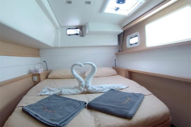Lagoon 450 Guest cabin