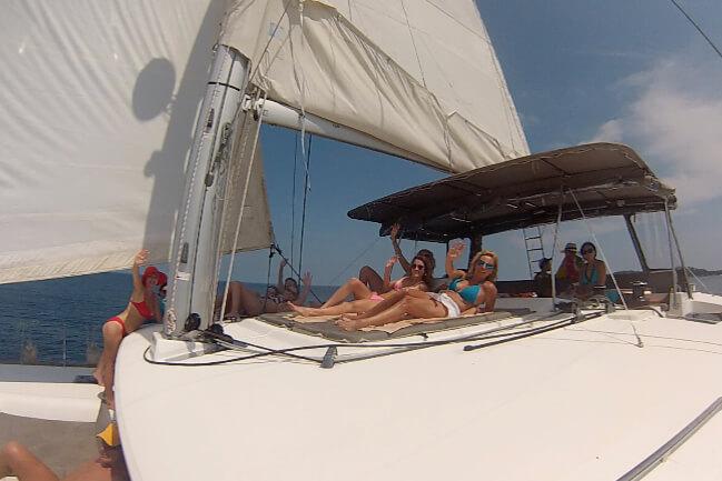 Lagoon 450 relax areas