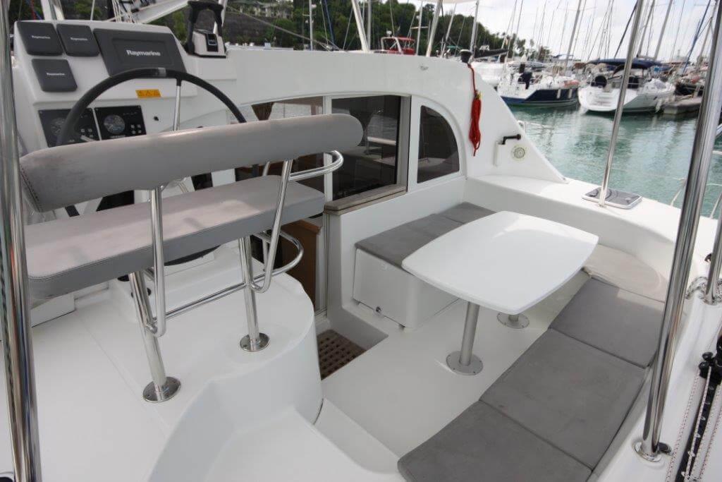 Lagoon380 cockpit