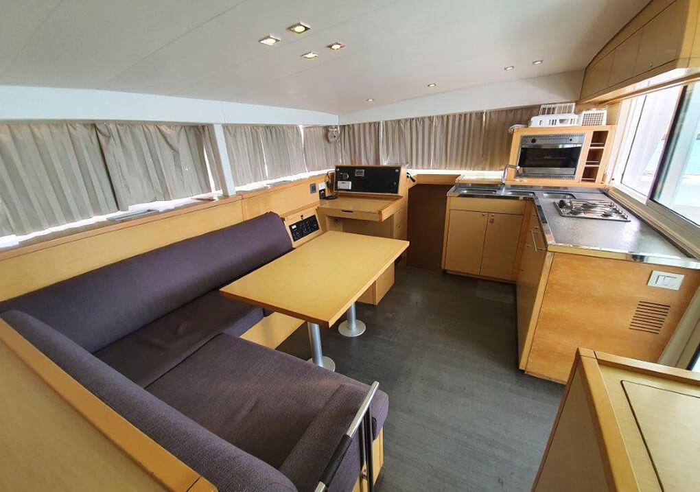 Lagoon400S salon