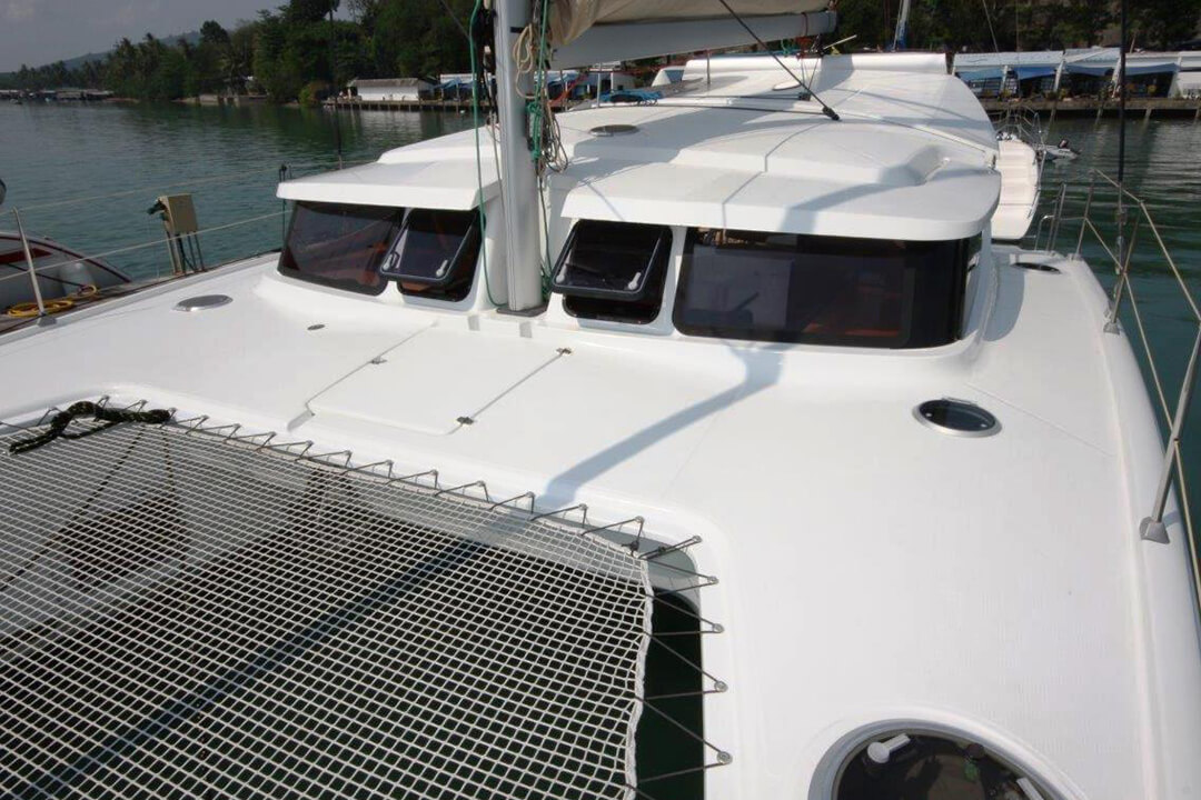 Mahe 36 Cockpit Phuket charter holiday