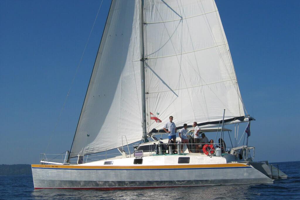 Mumby 48 sailingcharter Thailand