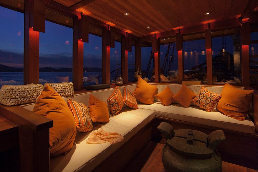 Si Datu Bua Luxury Boating Bali Komodo