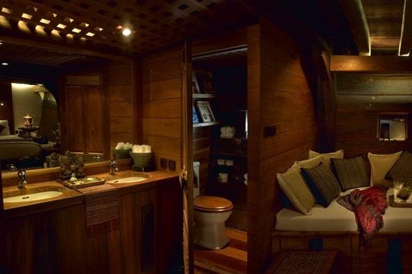 Silolona Bali Luxury Yacht Rental (2)
