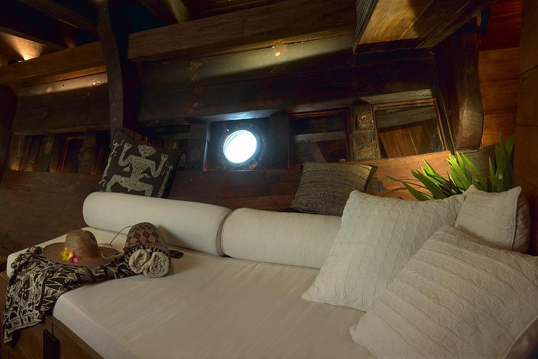 Silolona Luxury Boat Bali Indonesia (2)