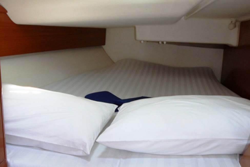 Sun Odyssey 40 cabin sailing Phuket