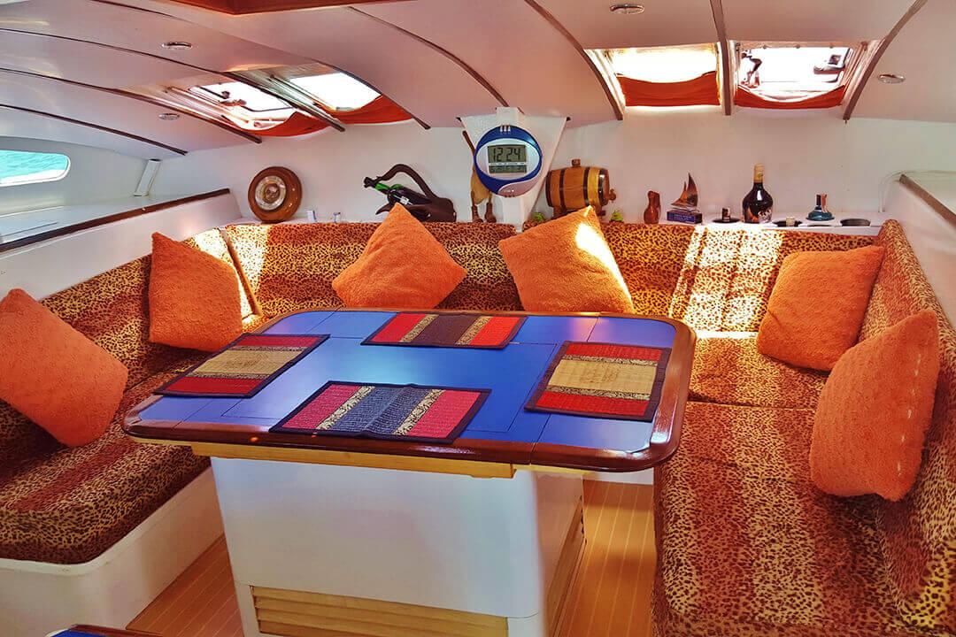 Swift Saloon Thailand boating