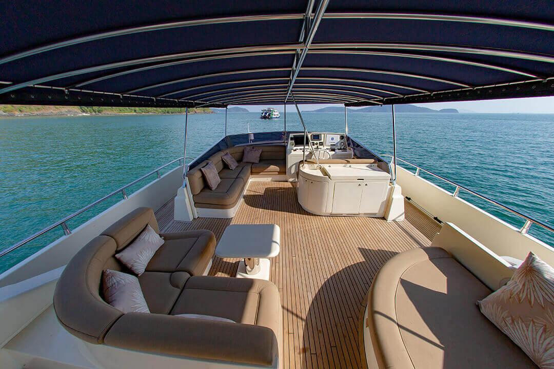 Technema 82 Luxury Yachting Phi Phi Islans