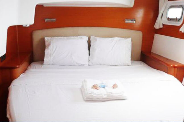 Lagoon 440 guest cabin