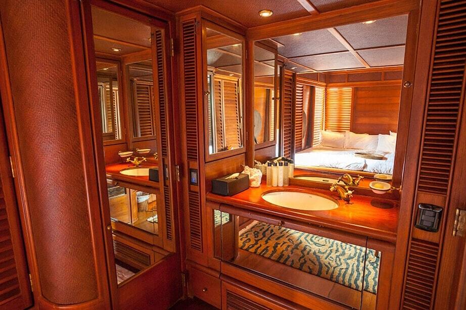 Maha Behtra Boating Thailand luxury