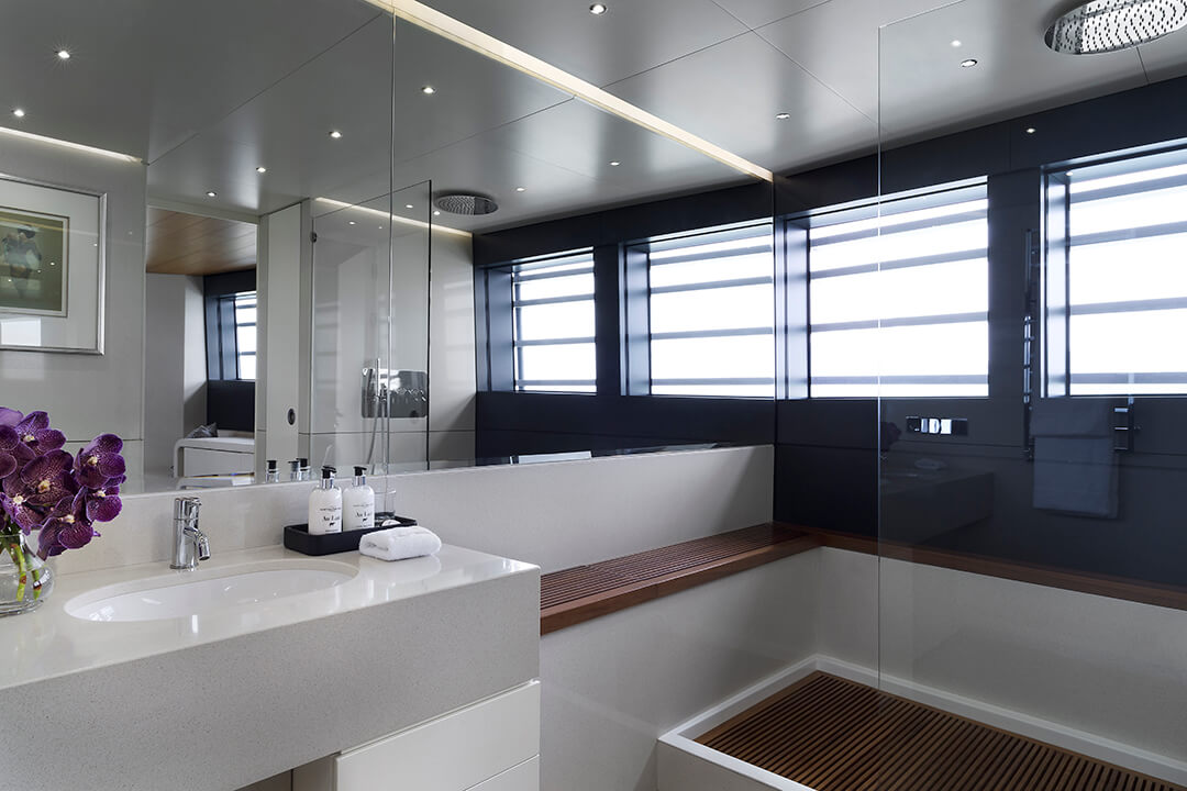 OE_Shot_16_Master_Bathroom_Angle_2_C5A9870_Finish